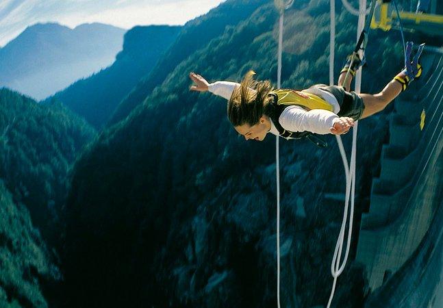 Quer adrenalina? Confira os 10 bungee jumps mais altos do mundo