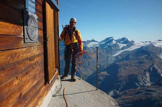 solvay-hut-matterhorn-solvayhutte-cabin-on-mountain-above-clouds-switzerland-8