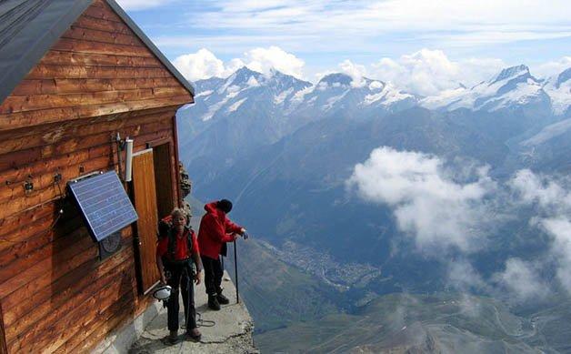 solvay-hut-matterhorn-solvayhutte-cabin-on-mountain-above-clouds-switzerland-9