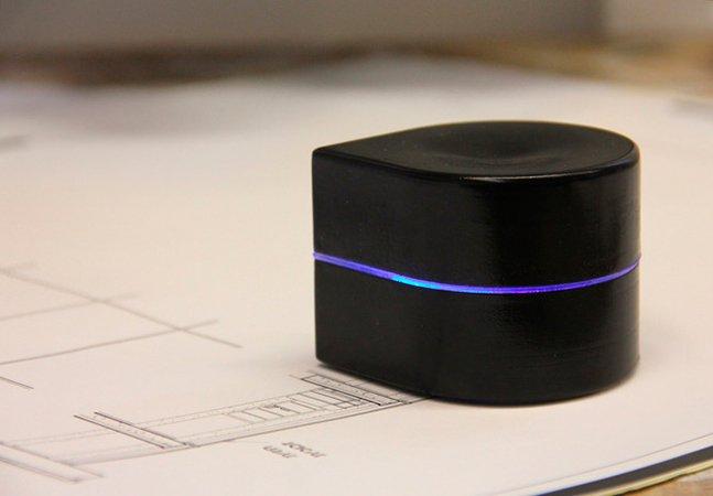 Conheça a impressora portátil que quase cabe no seu bolso<!--:en-->O fim do bloco de anotação? Impressora portátil quase cabe no seu bolso!
