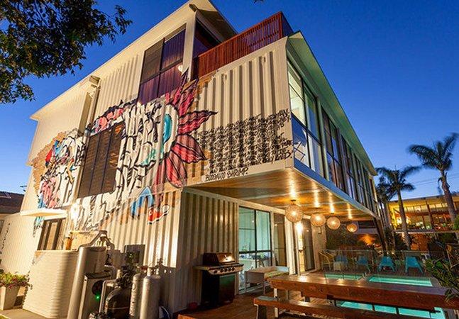 Conheça a incrível e moderna casa construída com 31 containers