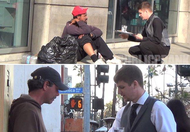 Homem veste-se de garçom e serve comida aos moradores de rua como se estivessem num restaurante