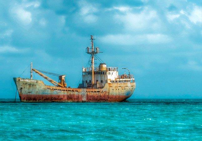 12 famosos navios naufragados que você ainda pode visitar