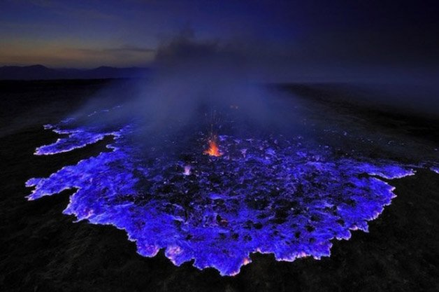 Glowing-Blue-Liquid-Volcano-1-600x398