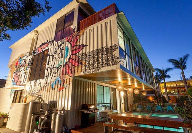 Essa fantástica casa feita com 31 containers prova que é possível unir sustentabilidade com muito bom gosto