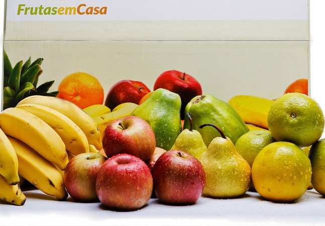 Brasileiro cria serviço de assinatura para receber frutas em casa