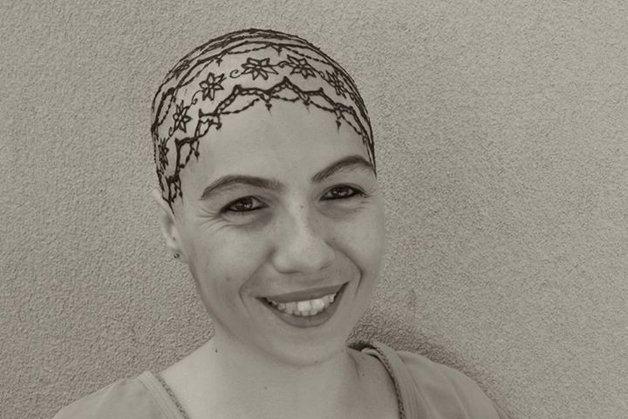 Coroas de henna ajudam mulheres a superarem o câncer
