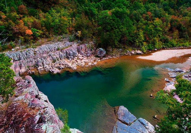 5 piscinas naturais fantásticas pelo mundo