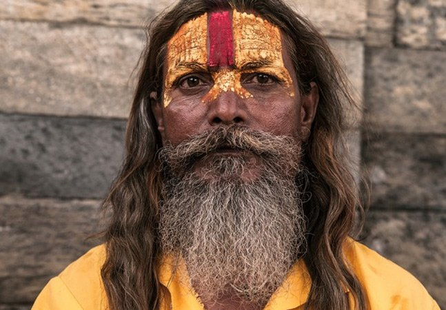 Fotógrafo capta retratos inspiradores dos Sadhus, homens santos do Oriente Médio
