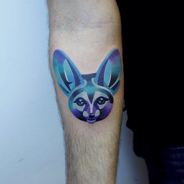 Tatuagem feita pela russa Sasha Unisex