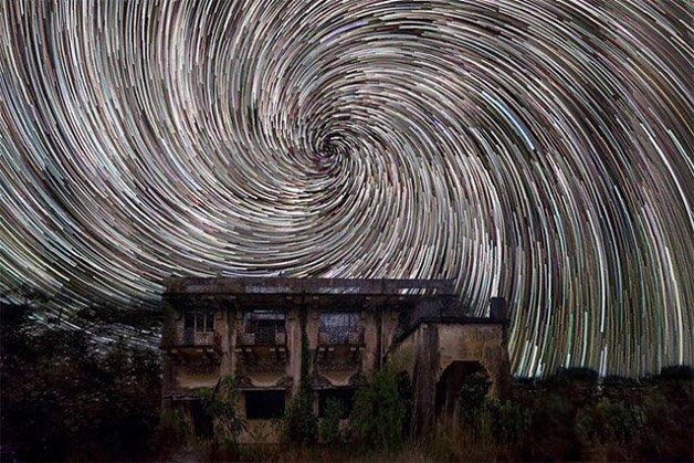 Star-trails-in-Singapore-Sky3-640x427