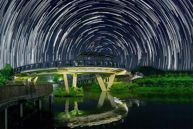 Star-trails-in-Singapore-Sky4-640x427