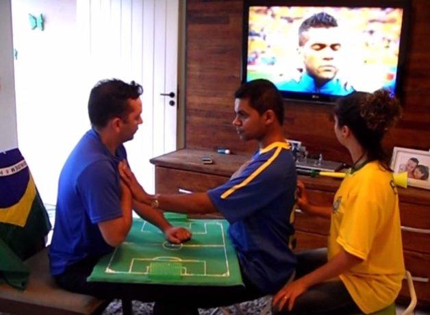 "Surdo-cego ""assiste"" à Copa"