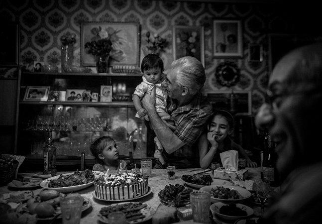 Após crescer afastada do pai, fotógrafa decide recuperar o tempo perdido com série de fotos emocionante