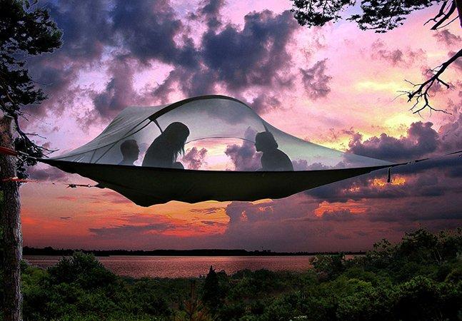 Durma nas alturas com uma fantástica casa na árvore portátil