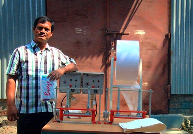Homem revoluciona a saúde das mulheres na Índia ao tornar acessíveis os absorventes higiênicos