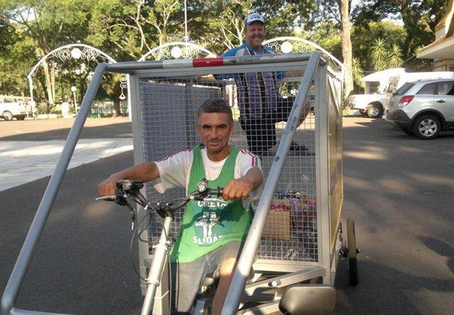 Projeto ecológico valoriza a profissão de catador de lixo ao criar carro elétrico para a coleta