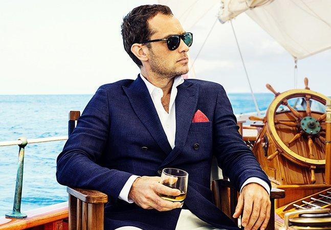 Marca de whisky lança curta divertido com Jude Law no papel principal
