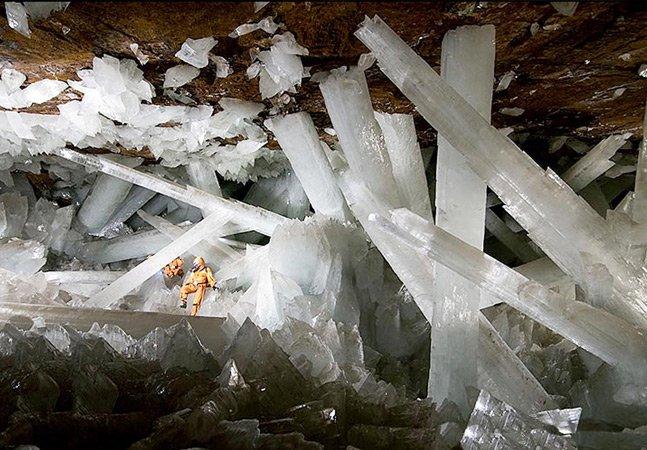 Conheça a misteriosa caverna no México cujos cristais chegam até 11 metros de comprimento