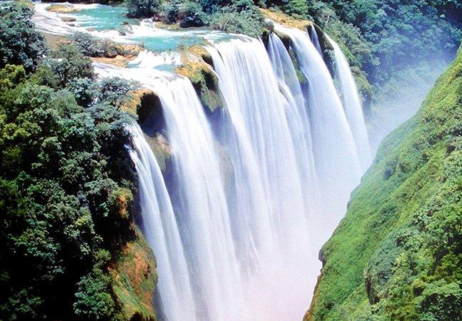 Conheça a deslumbrante cascata de Tamul, no México