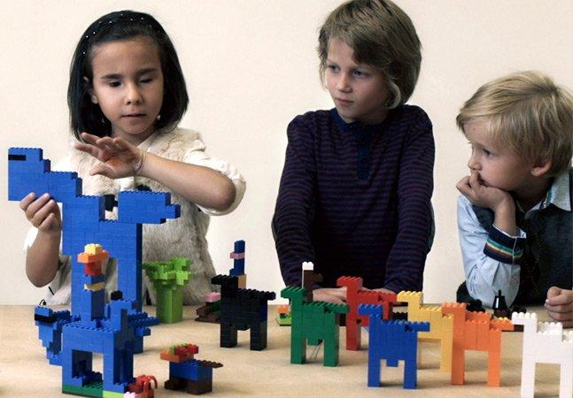 LEGO ajuda crianças que não podem ver a experienciar a arte através dos famosos blocos coloridos