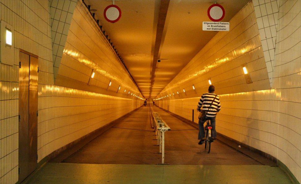 netherlands-rotterdam-bike-entering-the-tunnel