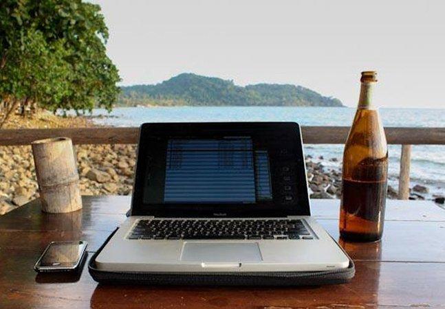Conheça o site que recruta profissionais pra trabalhar remoto e viajar o mundo