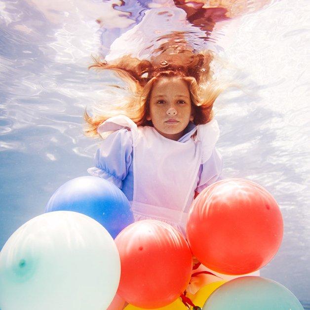 alice-underwater10
