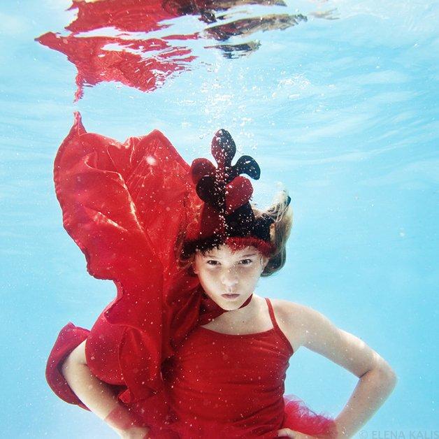alice-underwater12