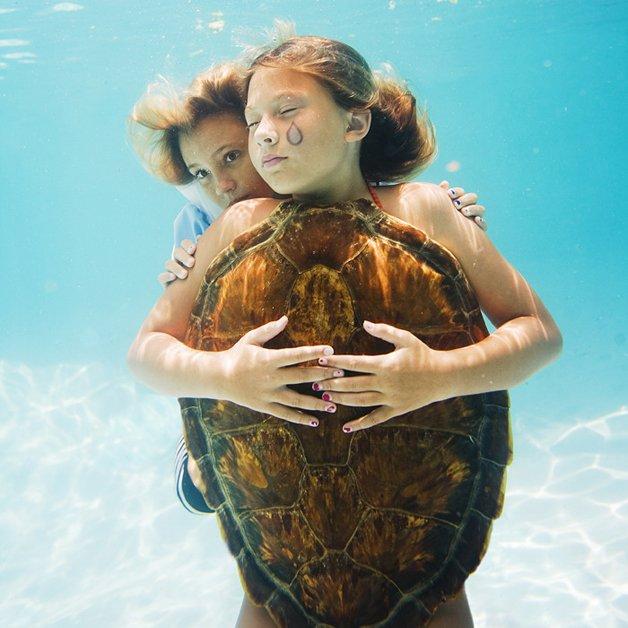 alice-underwater17