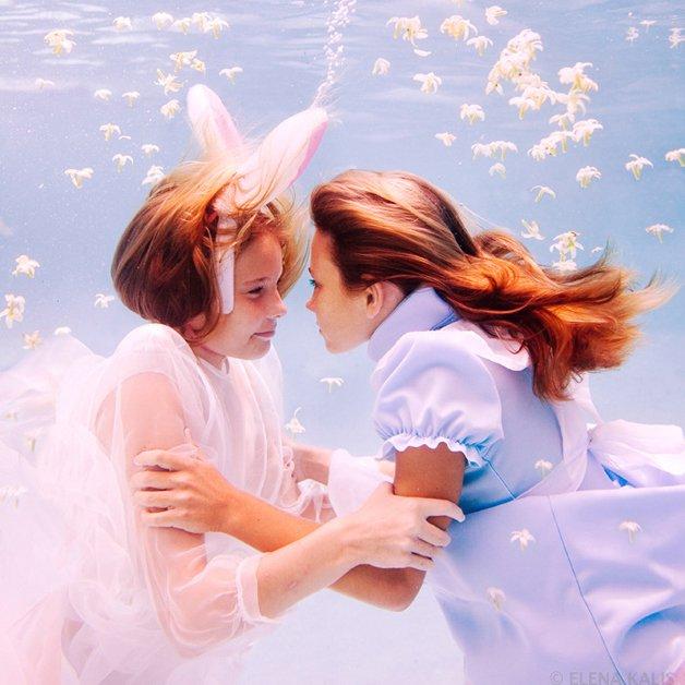 alice-underwater2