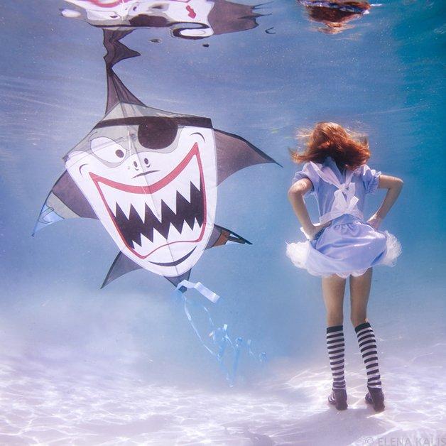 alice-underwater20