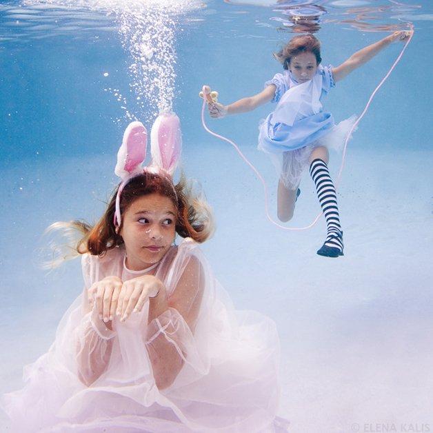alice-underwater22