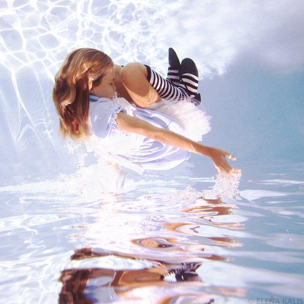 alice-underwater7