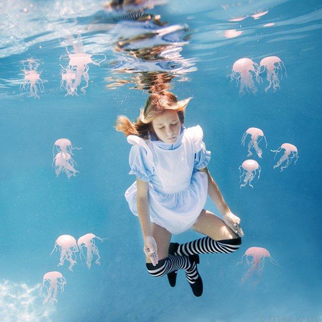 alice-underwater9