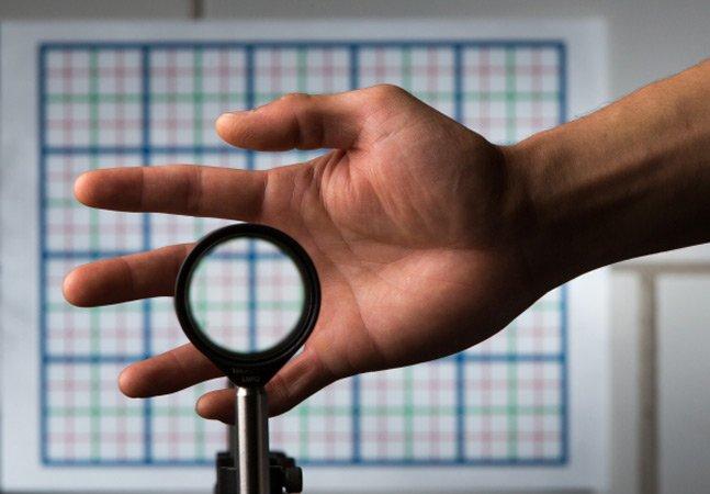 Cientistas criam dispositivo que deixa qualquer objeto invisível