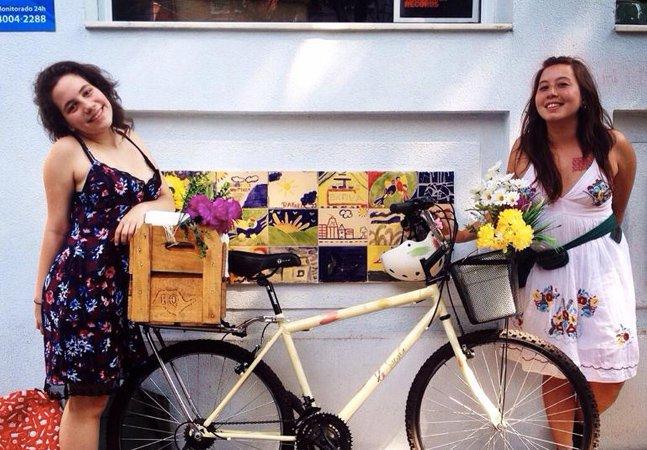 Amigos saem de bike pelas ruas de SP pra vender geladinho gourmet