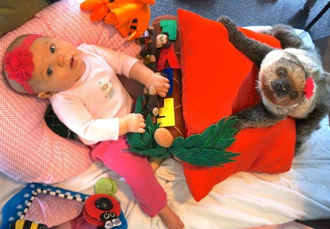 Menina de 5 meses tem o bicho de estimação mais inusitado que você já viu