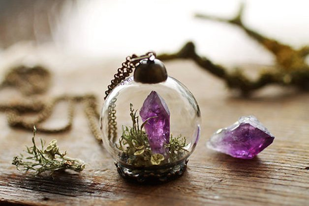 Poetic-Jewels-Containing-Real-Flowers-24
