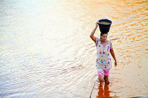 agua-pura-para-criancas-vale-jequitinhonha-2