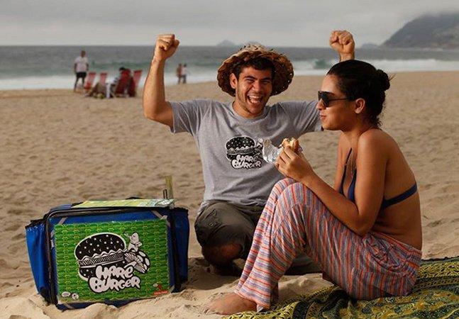 Ex-vendedor de sanduíches na praia inova e faz sucesso com franquia de fast food saudável no RJ