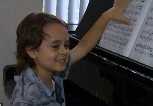 Conheça o pianista de 5 anos que é capaz de aprender sonatas inteiras em apenas um dia