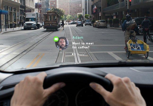 Display inteligente projeta rota do GPS, mensagens de celular e outras infos no vidro do carro