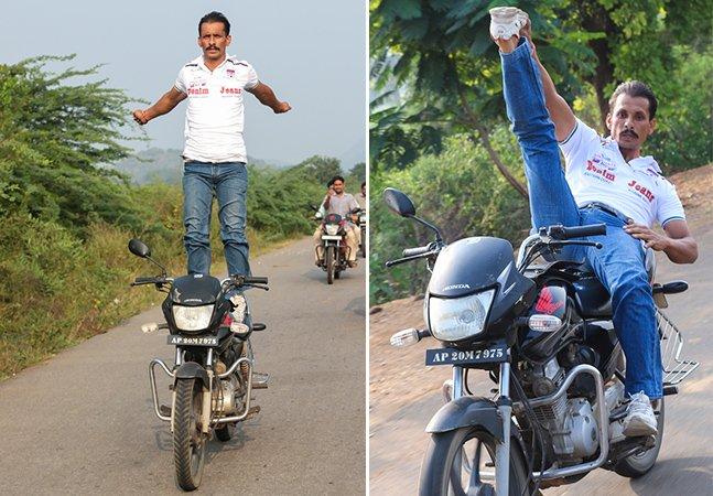 Conheça o indiano que pratica yoga em cima de uma moto em movimento