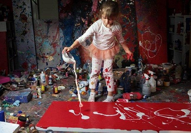 Conheça a artista de 7 anos que está surpreendendo o mundo com suas criações