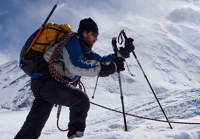 O alpinista que escalou as maiores montanhas do mundo sem sequer enxergar onde estava pisando
