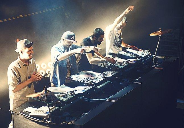 Conheça a banda formada exclusivamente por DJ's