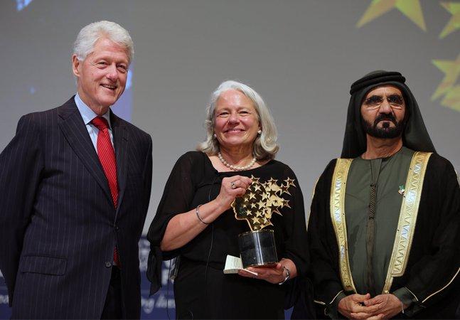 Professora ganha prêmio milionário e doa tudo para melhorar a educação