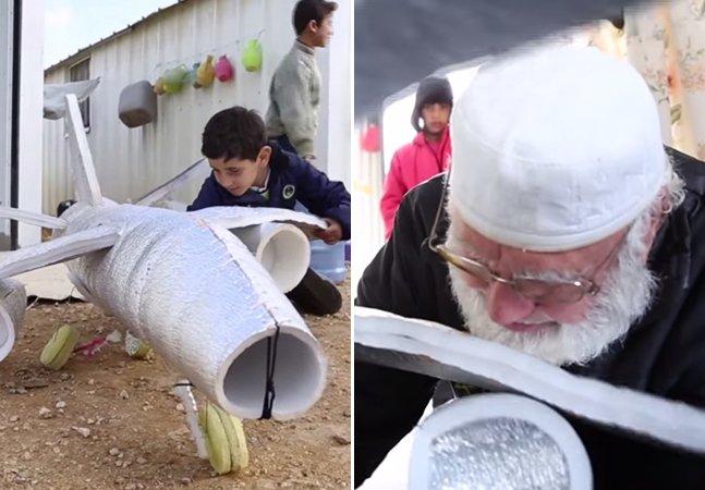 Conheça a história do carpinteiro refugiado que faz brinquedos com materiais encontrados no lixo