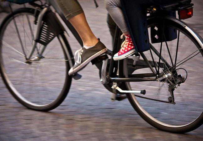 Escola na Itália dá pontos a alunos que vão de bike entre três a quatro vezes por semana
